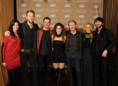 http://www.shania.net.ru/gallery/albums/StillTheOne-TheColosseum/Backstage/normal_03.jpg